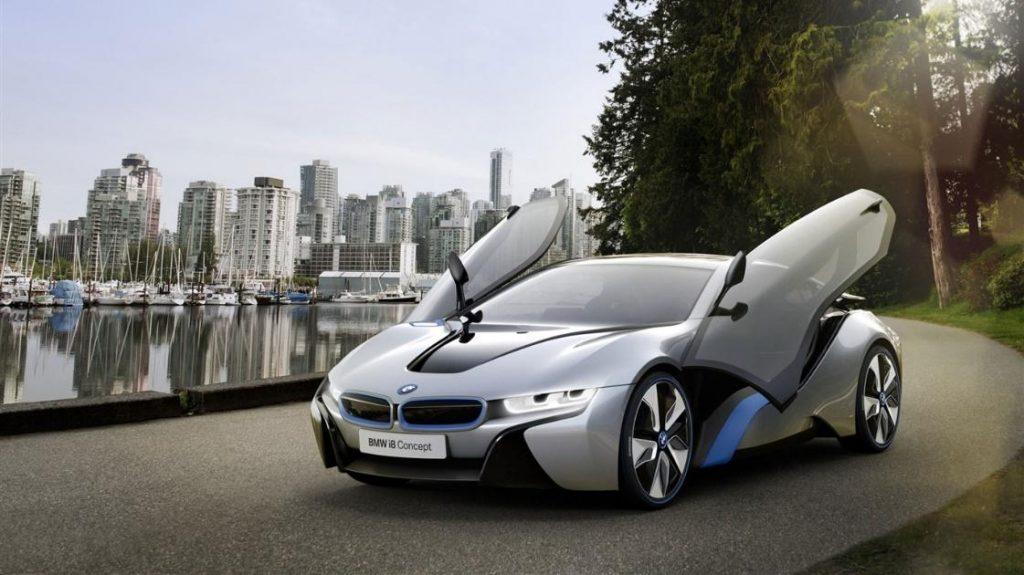 Слика 1) Концепт на електрично возило од луксузна класа